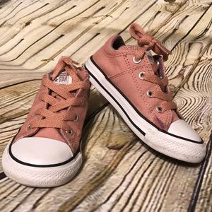 Toddler girl dust pink converse